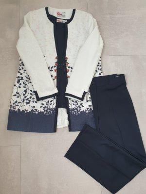 Tailleur-pantalon blanc-bleu foncé