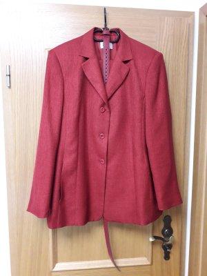 Tailleur-pantalon rouge foncé