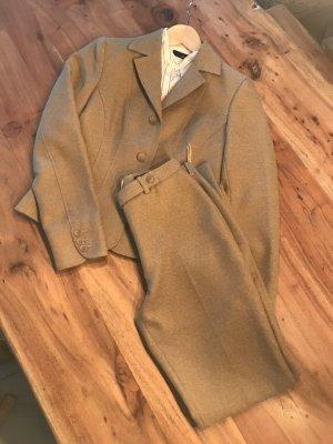 H&M Traje de pantalón marrón arena-blanco tejido mezclado