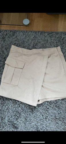Amisu Krótkie szorty jasnobeżowy-kremowy