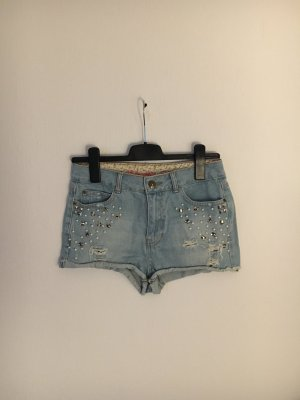 Hot pants mit Perlen