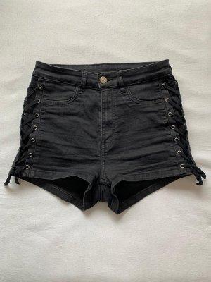 Hot Pants von Divided mit seitlicher Bänder-Verzierung