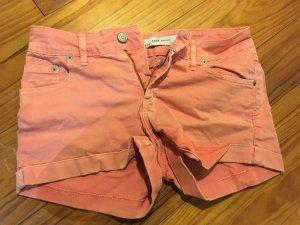 Hotpants/ kurze Hose eng rot