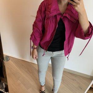 Hübsche Fuschia Jacke mit Schnüren - sehr stylisch kaum getragen