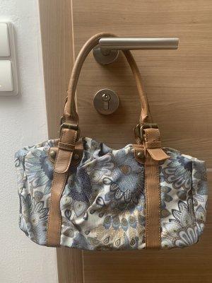 Hübsche Handtasche