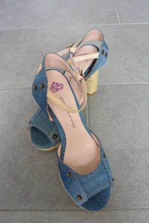 Hübsche Jeans-Sandaletten
