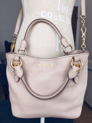 Hübsche kleine Miu Miu Tasche