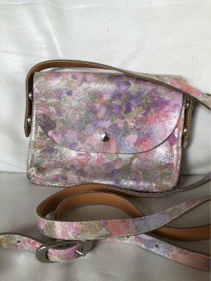 Hübsche kleine Tasche von Umjubelt mit Blumenmuster, Leder