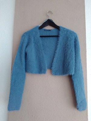 hübsche kurze Strickjacke in hellblau mit Textur, Grösse M, neu