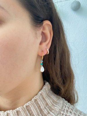 Hübsche Ohrringe mit Perlen Anhänger