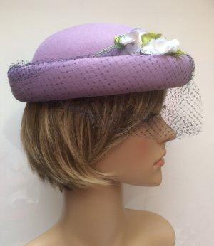 Chapeau en feutre violet laine
