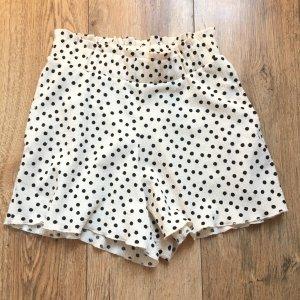 hübsche Shorts mit Punkte