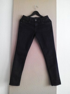 hübsche Skinny Jeans in marineblau, Grösse 38