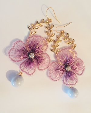 Hübsche Statement Ohrringe Vintage Blume Lila