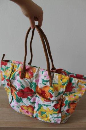 Hübsche Tasche mit Blumenmuster