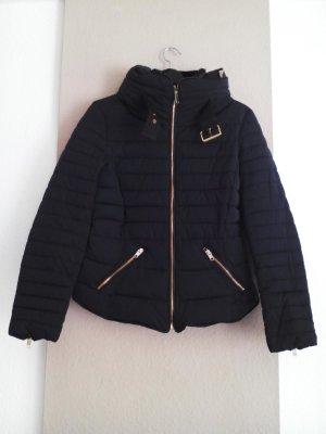 hübsche wattierte Jacke mit Taschen in marineblau, Grösse M, neu