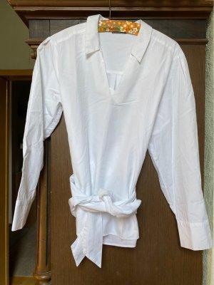 Hübsche weiße Bluse