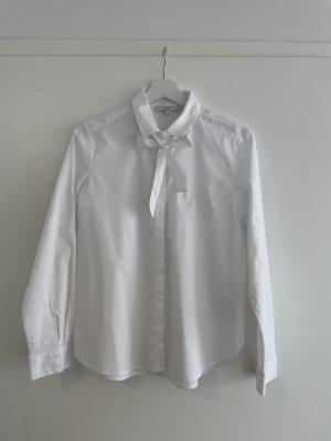 Hübsche weiße Bluse mit Schleife