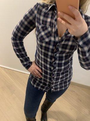 Hübscher karierter Hemd mit schönem Sitz an der Taille - perfekter Zustand