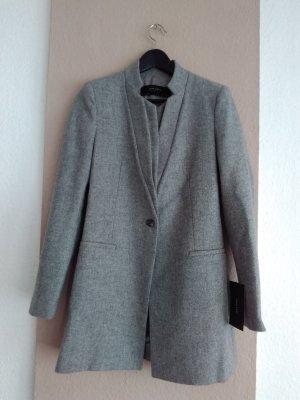 hübscher Kurzmantel in grau aus 100% Wolle, Grösse S, neu