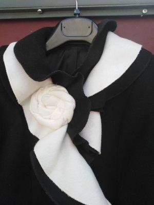 Madeleine Short Coat black-white wool