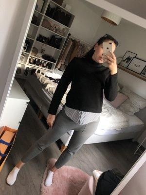Hübscher Pullover mit Bluseneinsatz