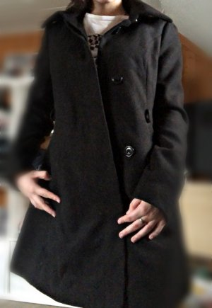 Hübscher Schwarzer Caban Mantel