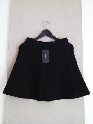 hübscher Strickrock in schwarz, Grösse S, neu