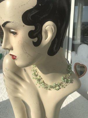 Collier verde pallido