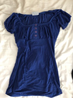 hübsches dunkelblaues Shirt
