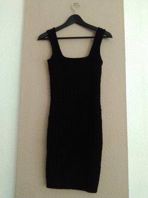 hübsches gestricktes Minikleid in schwarz, Grösse M, neu