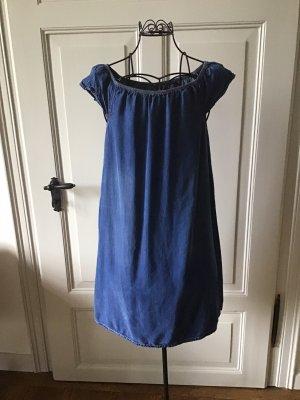 Hübsches Jeanskleid (: