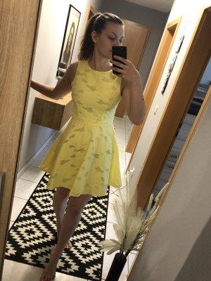Hübsches Kleid