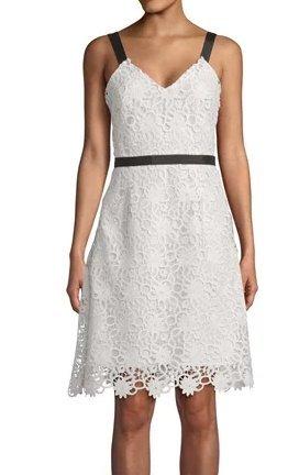 hübsches Kleid aus Häkelspitze