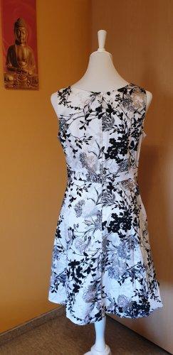 Hübsches Kleid in A-Linie, Orsay, Größe 42