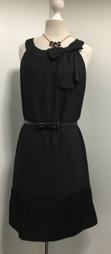 Hübsches Kleid mit Schleife NEU
