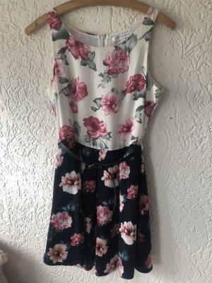 Hübsches Kleid von Glamorous