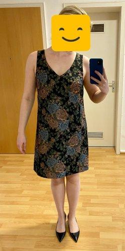 Hübsches Kleid von Hallhuber