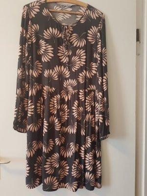 Hübsches Kleid von Simclan, für alle Jahreszeiten!