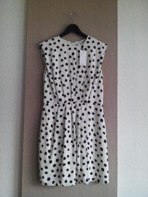 hübsches kurzes Kleid mit Dots, Grösse M, neu