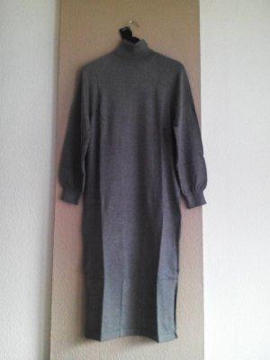 hübsches Midi Strickkleid in grau mit Rollkragen, Grösse M, neu