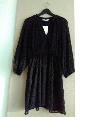 hübsches Minikleid in schwarz, Größe S neu
