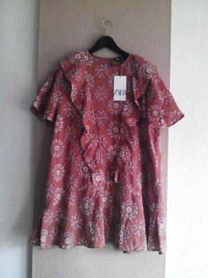 hübsches Minikleid mit Volants und Lochstickerei aus Baumwolle, Grösse L, neu