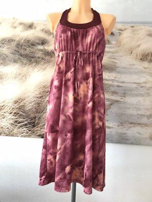 Hübsches Neckholderkleid * mit Batikmuster und Bindeband