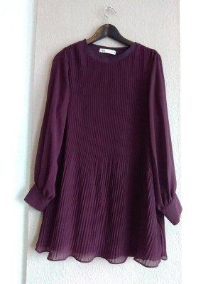 hübsches Plissee-Minikleid in burgunderrot, Grösse L, neu
