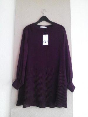 hübsches Plissee-Minikleid in burgunderrot, Grösse M, neu