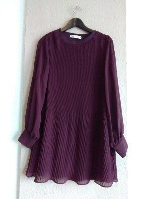 hübsches Plissee-Minikleid in burgunderrot, Grösse XL, neu