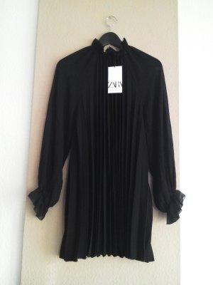 hübsches Plissee-Minikleid in schwarz, Größe M, neu