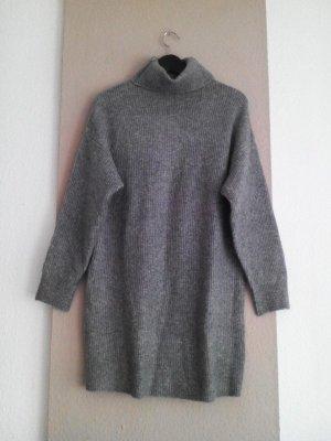 hübsches Rollkragen-Strickkleid/Long Pullover in grau, Grösse M, neu