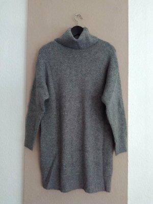 hübsches Rollkragen-Strickkleid/Long Pullover in grau, Grösse S oversize, neu